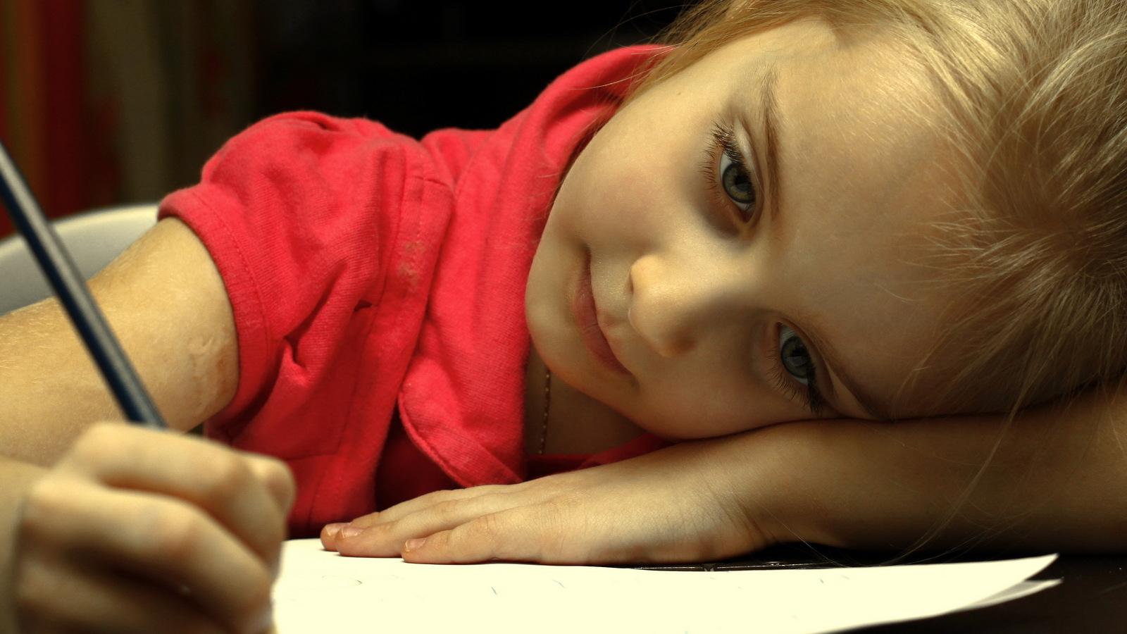 Fáradt gyermek 1